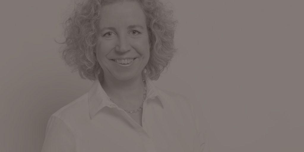 Dr. Kerstin Hoffmann im Interview: Wie du Wissen verschenkst und dadurch mehr Kunden gewinnst