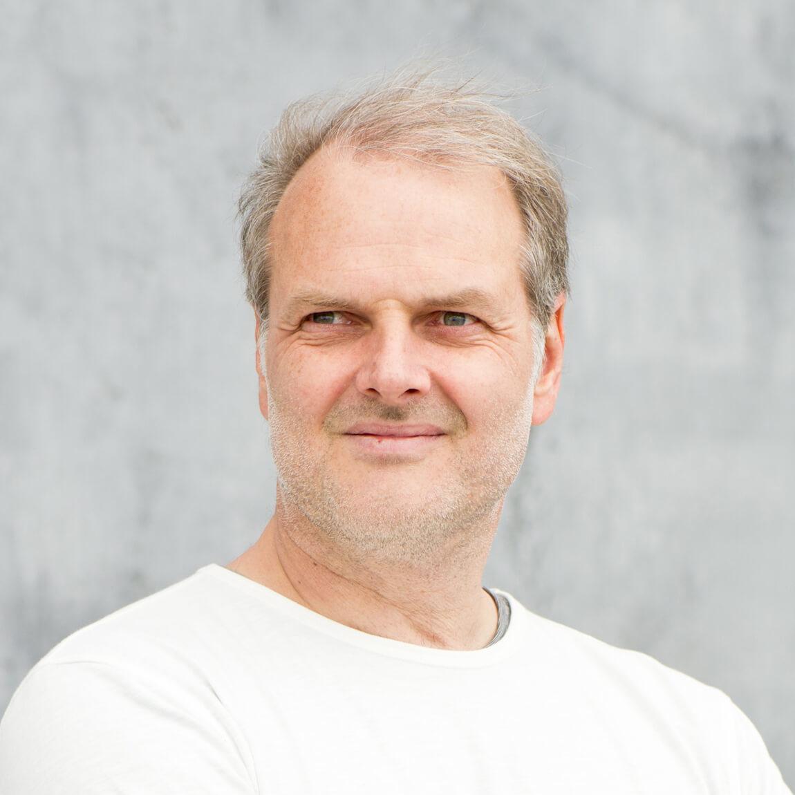Dr. Ronald Kandelhard