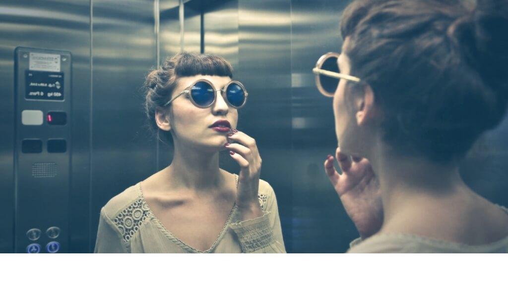 Elevator Pitch im Podcast: Diese 4 Wörter helfen dir, deine Positionierung zu schärfen