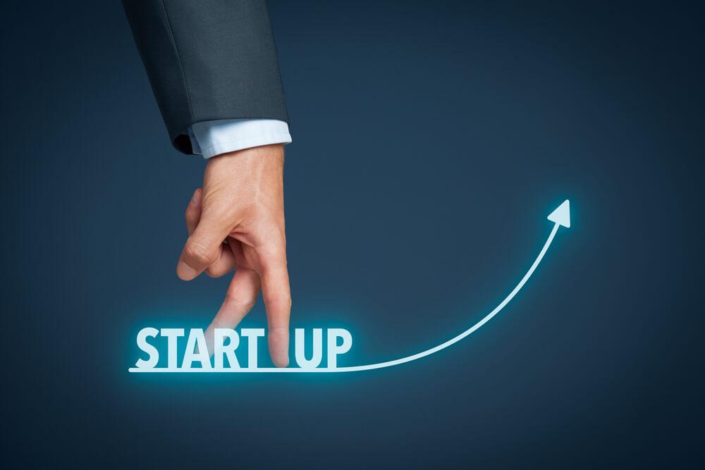 Fingerlauf nach oben symbolisiert Start als Startup.