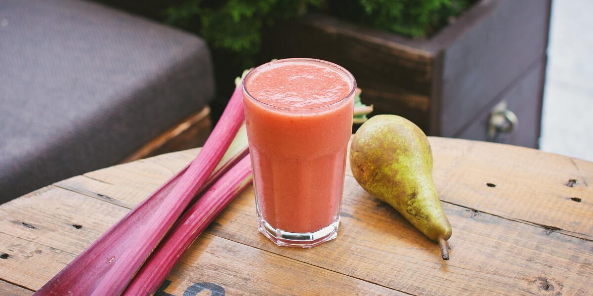 Saftfasten mit frischen Obst- und Gemüsesäften