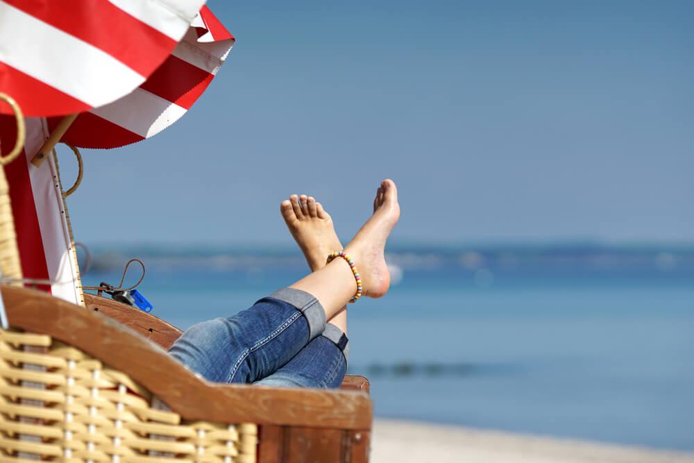 Schnelle Hilfe für sonnengeschädigte Haut und die empfindliche Haut der Füße