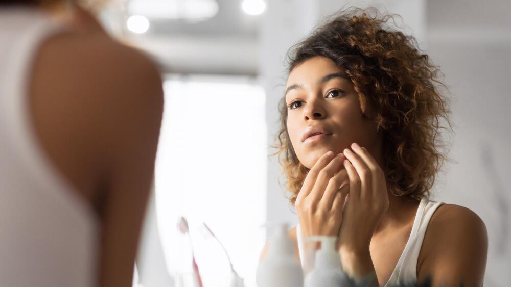 Was tun bei unreiner Haut? Das hilft ...