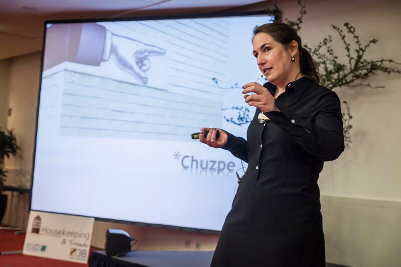 Vortrag 'Charme, Chuzpe & Charakter - Wie richtiges Netzwerken Ihre Karriere beflügelt', Housekeeping Friends 2016, Berlin
