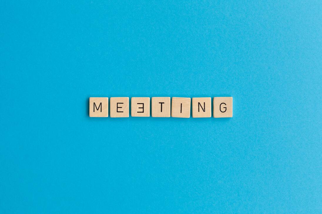 Meetings effizient gestalten: 6 Tipps gegen Thrombose-Sitzungen [015]