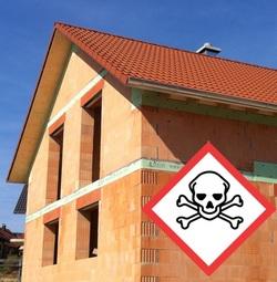 Giftskandal – Woolit in Ziegeln und Deckenplatten