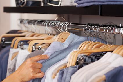 Muffiger Geruch im Kleiderschrank
