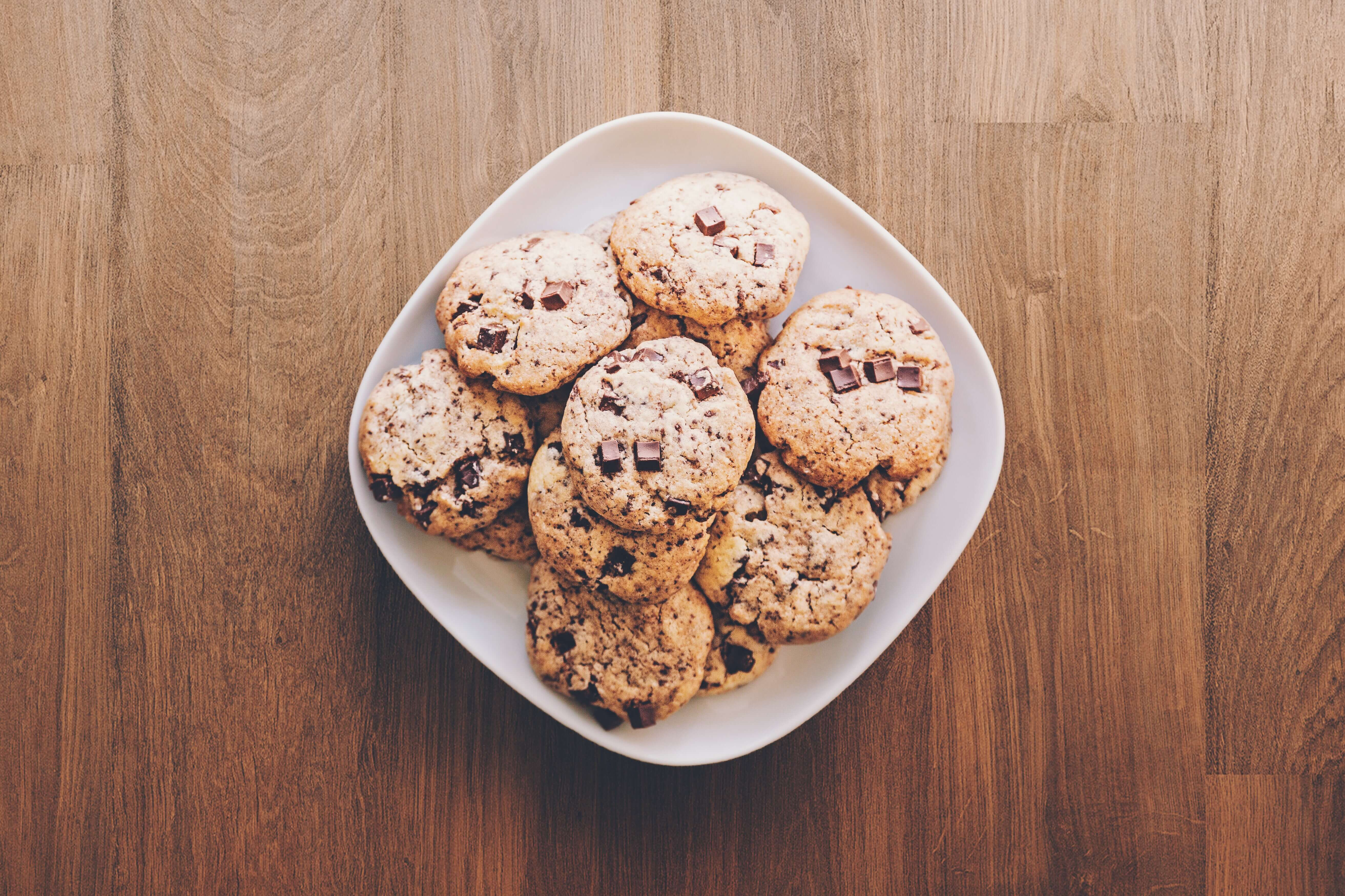 cookies on square white ceramic plate 890577