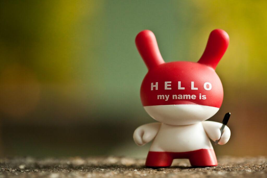 Wie du mit einem Namensgenerator einen guten Firmennamen finden kannst und dein Produkt zur Marke machst