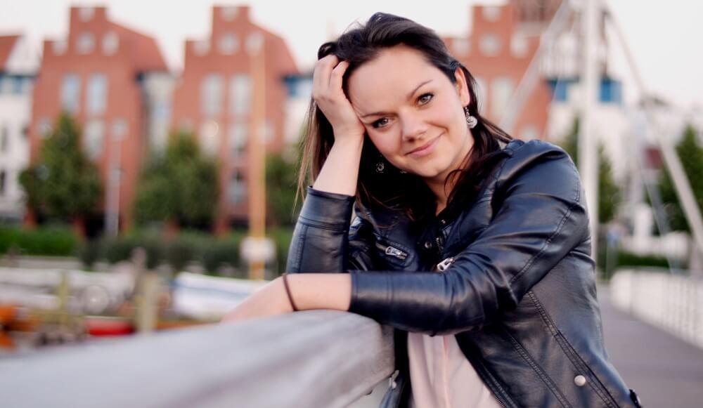 Wie Melanie Retzlaff das Problem mit der Zeit-gegen-Geld-Falle löst