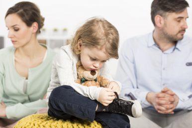 6 Gründe warum Eltern ihre Kinder in Loyalitätskonflikte bringen stark und alleinerziehend Alexandra Widmer
