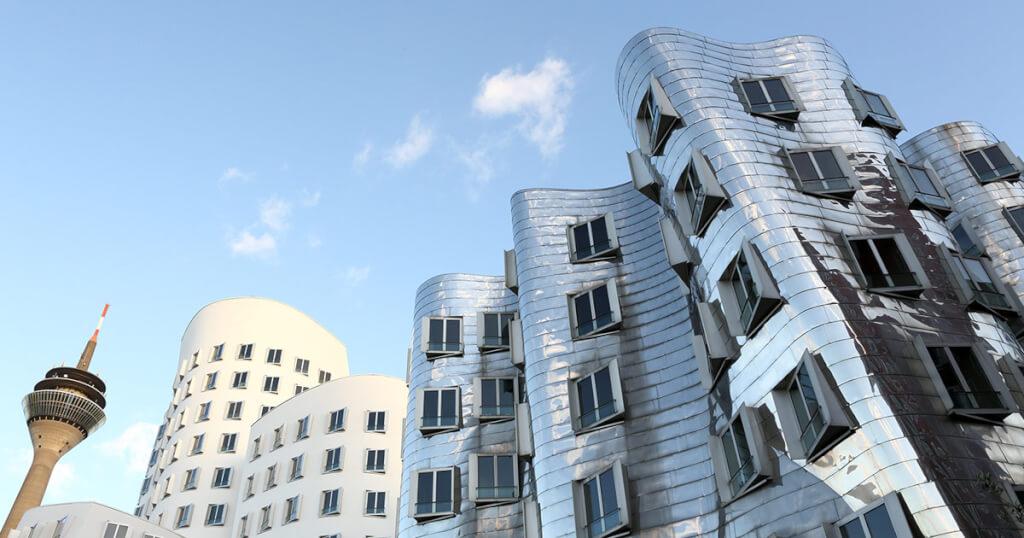 Besondere Immobilien in Deutschland - Hoch, krumm, schön – Hauptsache außergewöhnlich
