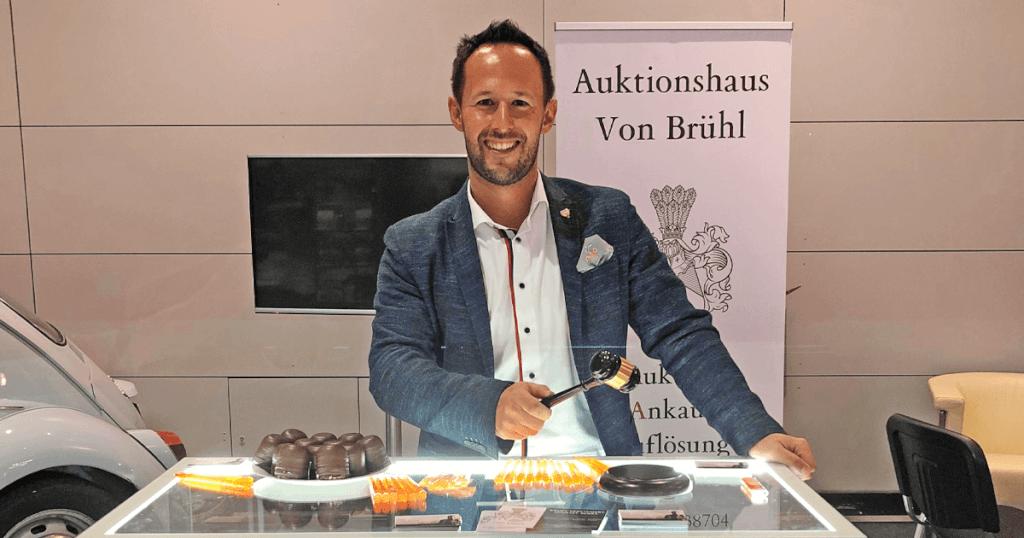 Die ganze Welt bietet mit - das Auktionshaus von Brühl nutzt aktiv die Chancen der Globalisierung