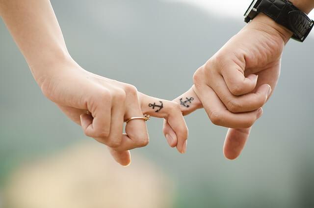 hands 437968 640