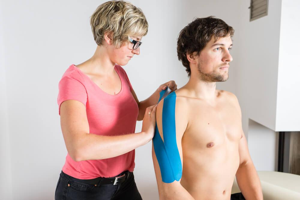 Taping - Wundermittel gegen Schmerzen oder wirkungsloser Quatsch?