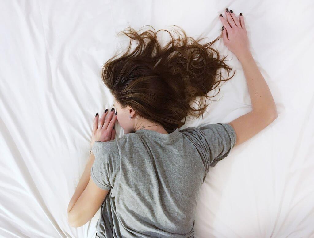 12 Tipps für gesünderen Schlaf