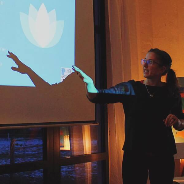 Lisa Mestars | Körperkunde | Vortrag