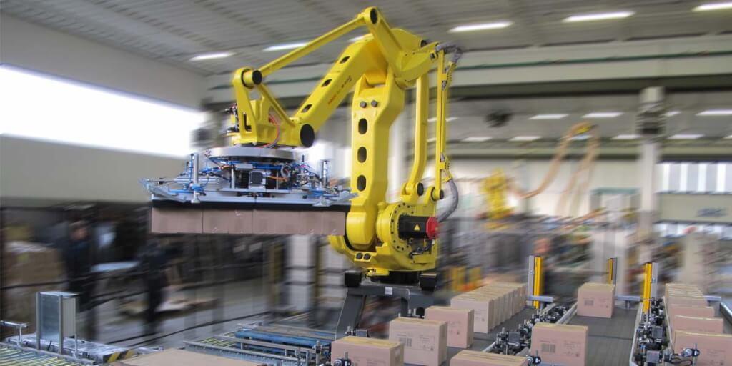 Einer für drei - Flexrobot von TMG palettiert 3 Linien zur gleichen Zeit