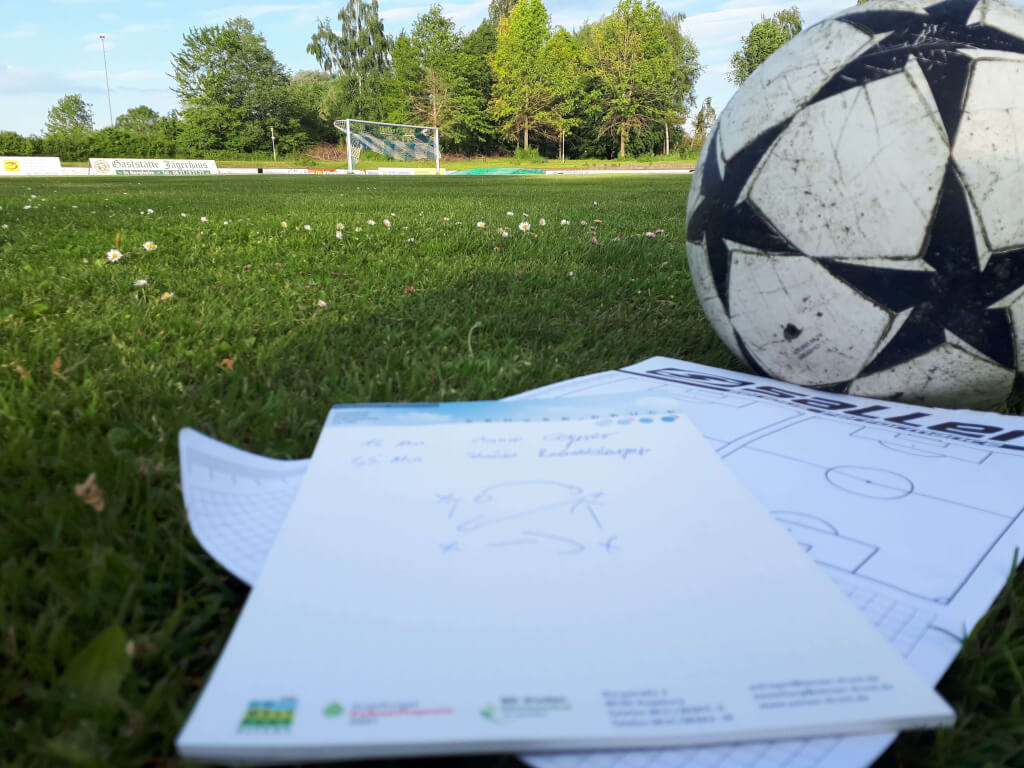 Fussballtrainer App Fussball Zettel Spielfeld 2 1