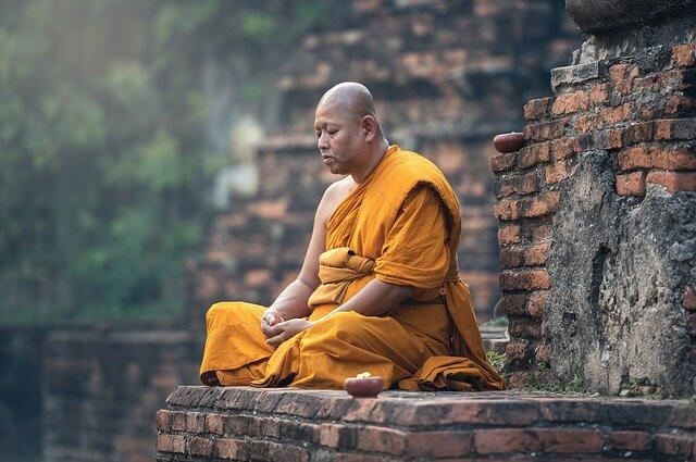 buddhist 1807526 640