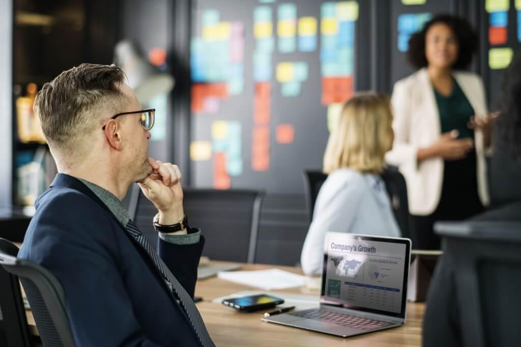 Wie Sie den Agenturgewinn durch technologische Zusatzleistungen steigern können
