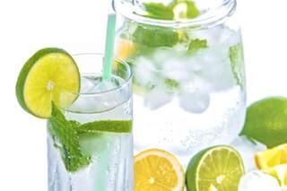 Wasser trinken hat viele Vorteile