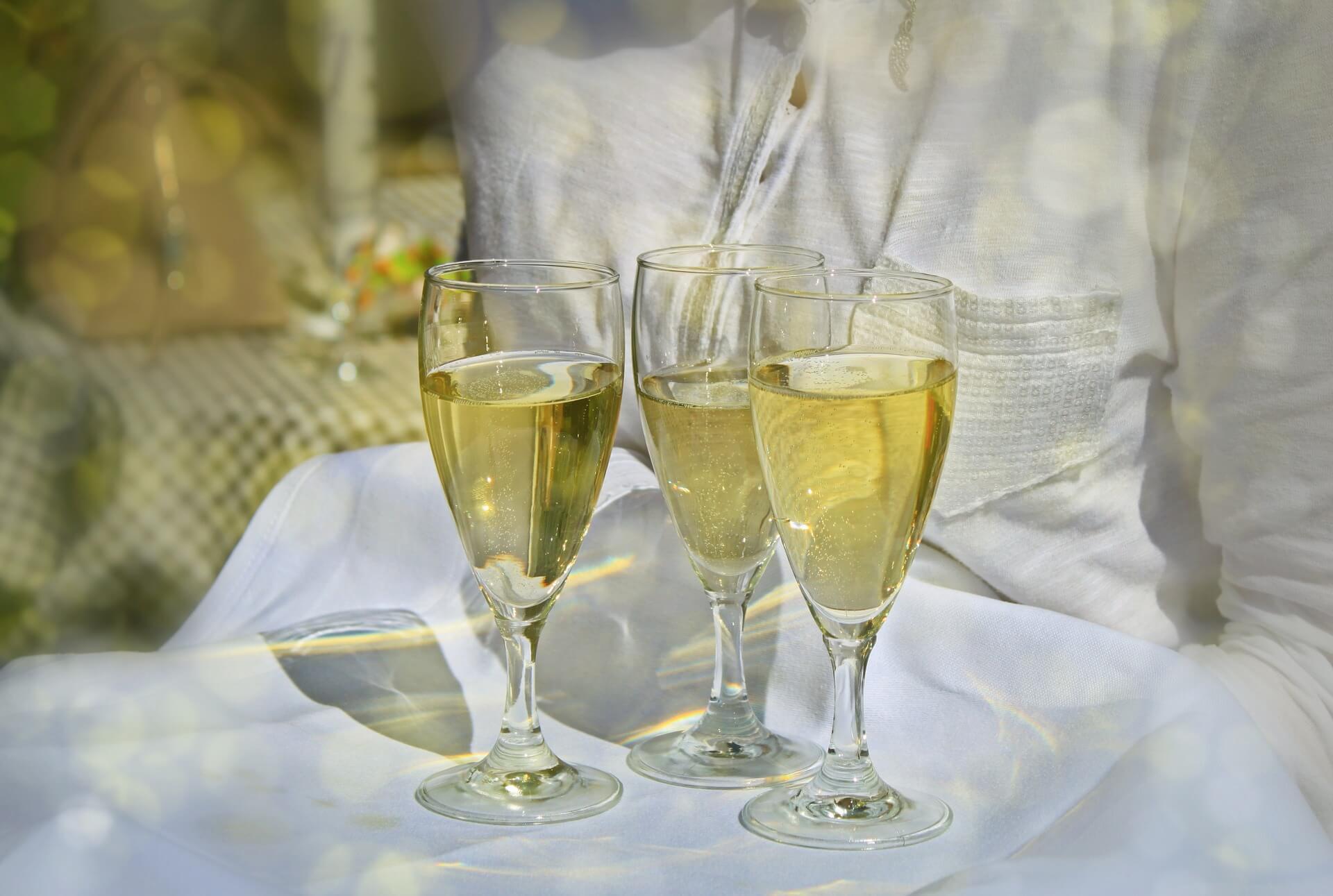 Wie gut ist Winzersekt als Alternative zum Champagner?