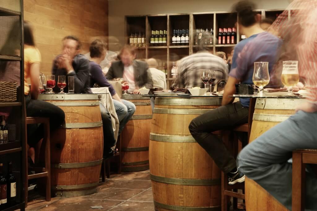Rotwein Bar Harmonie
