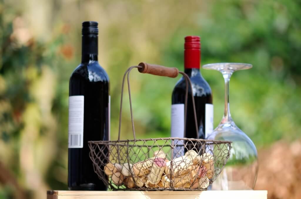 Rotwein zu Tisch