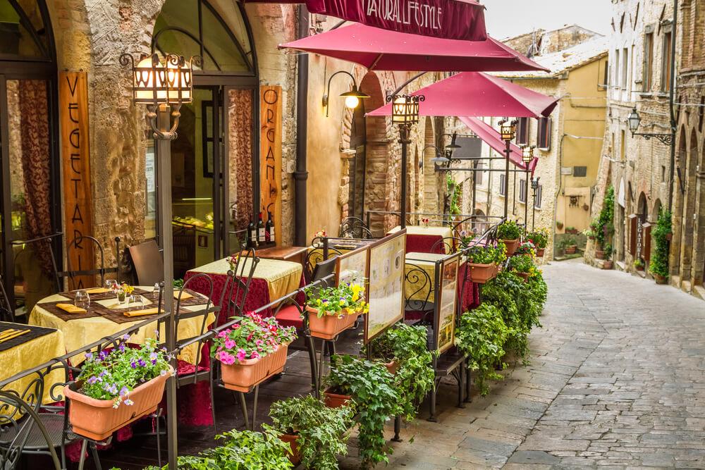 Suessweine aus Italien Montepulciano