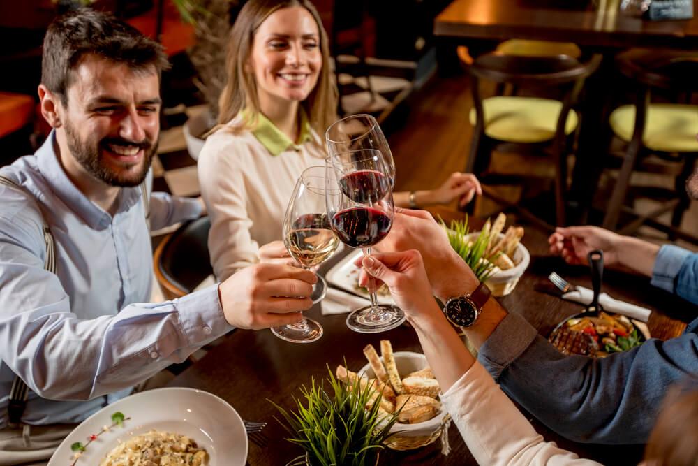 Gespuer fuer Wein Weinparty am Abend
