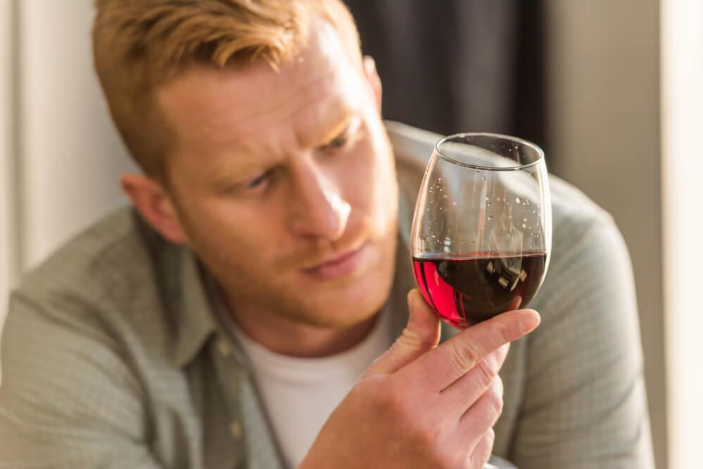 Gespuer fuer Wein kritischer Blick