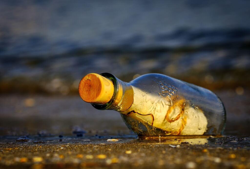 message in a bottle 3437294 1920