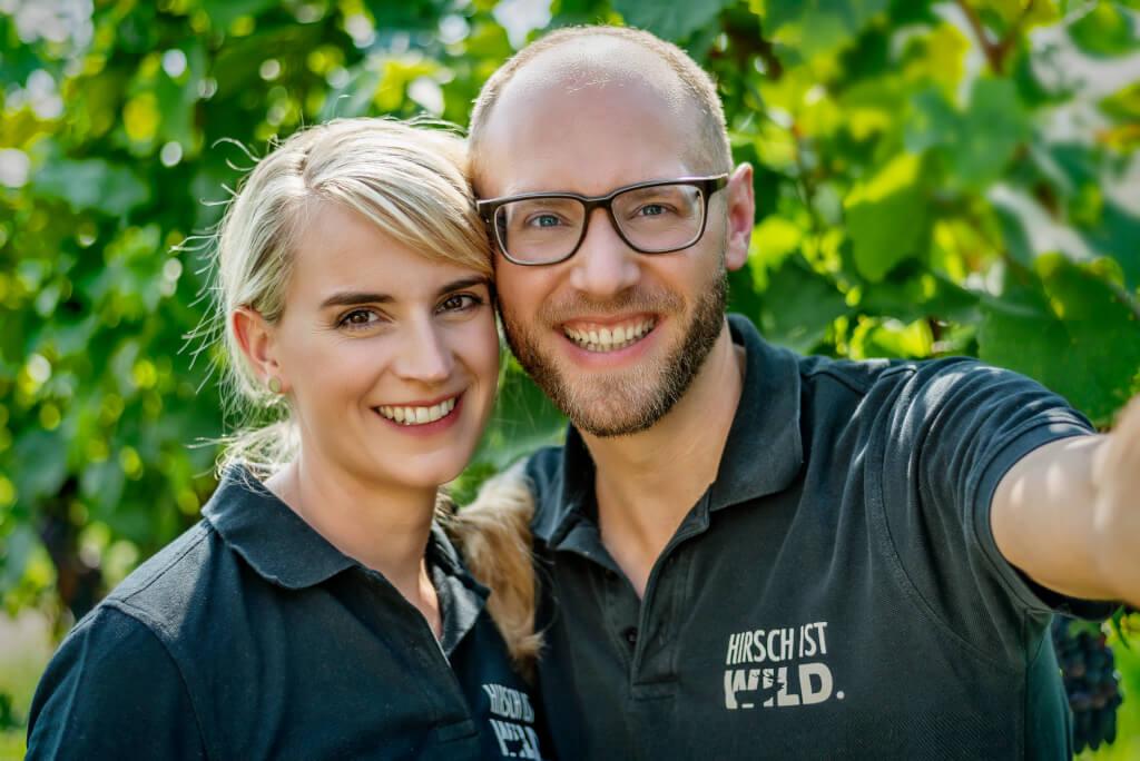 Juliane und Christian Hirsch Selfie im Weinberg