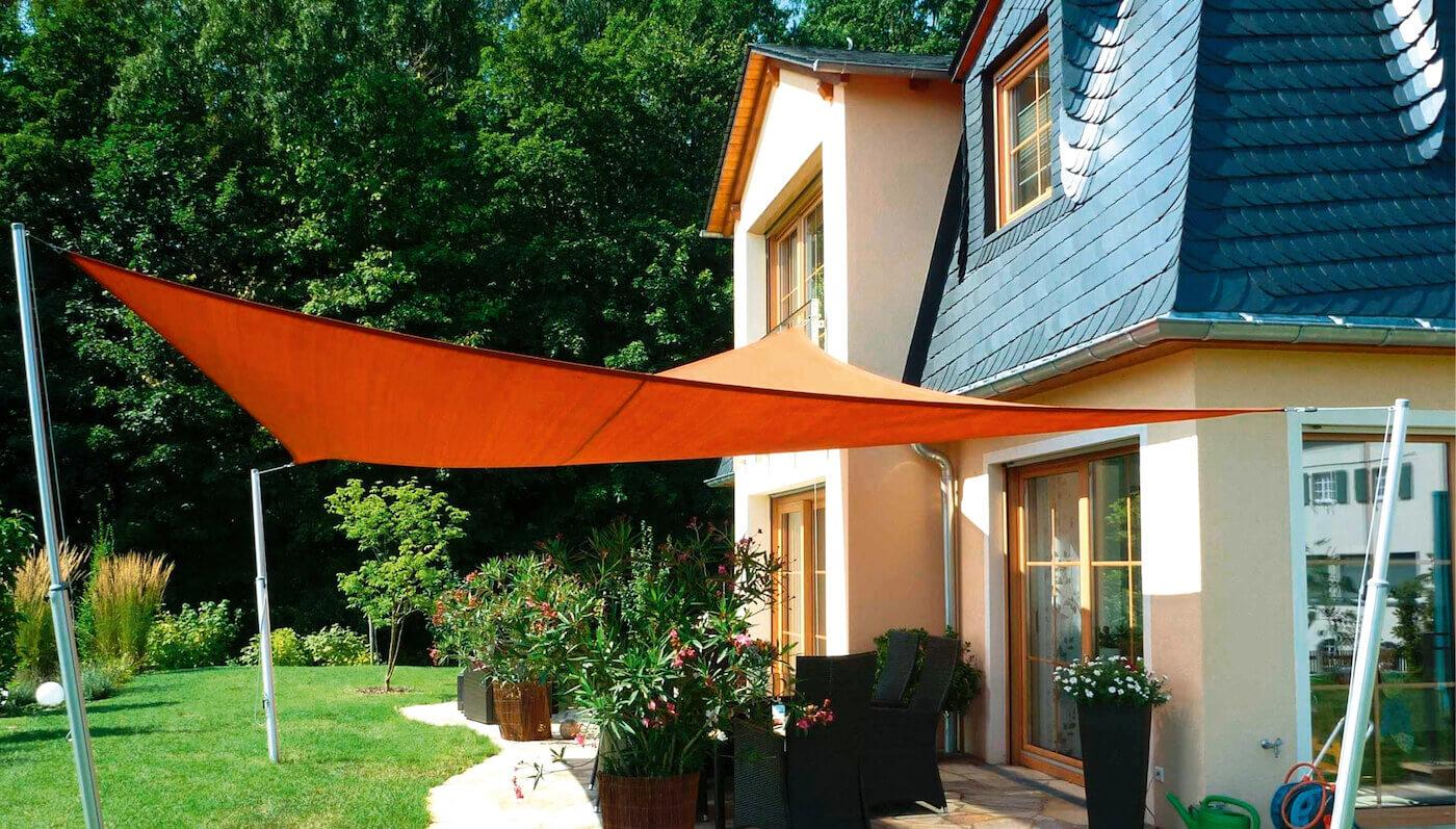 sonnensegel und markisen f r terrassen sitzecken balkone. Black Bedroom Furniture Sets. Home Design Ideas