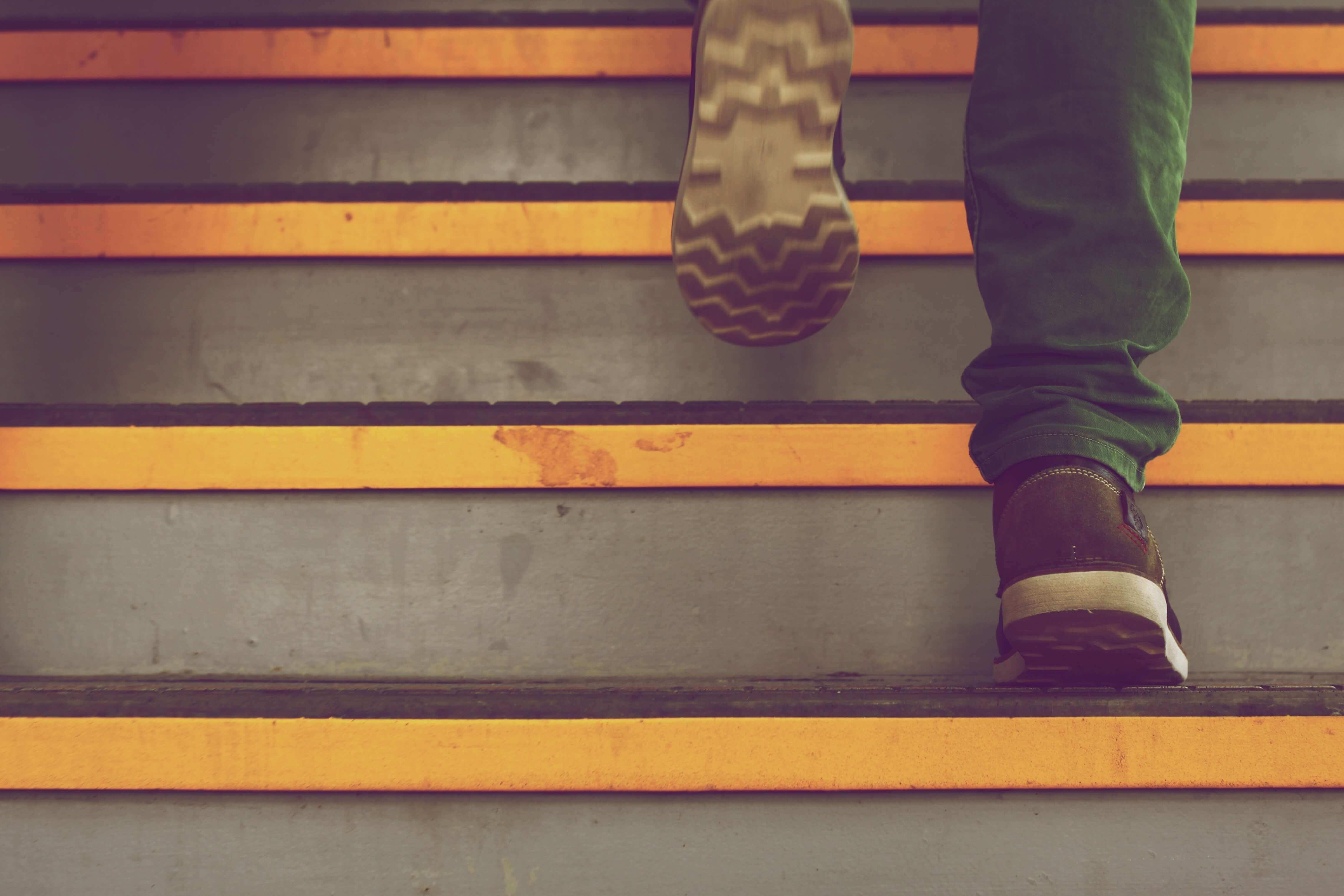 PSU-Erfolgstreppe: Warum Selbstmarketing erst der zweite Schritt ist