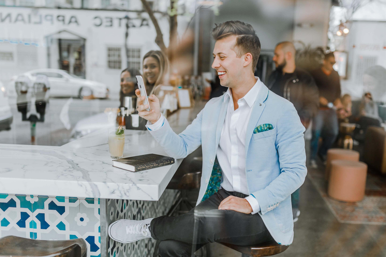 Freunde werben vs. Affiliate Marketing: Mit welcher Strategie gewinnst du neue Kunden?