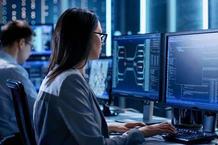 Systemmanagement und Monitoring hilft die Systemverfügbarkeit zu verbessern.