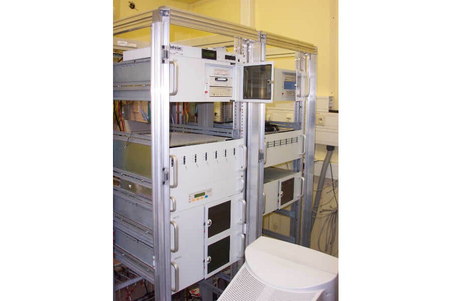 1996 BASYS Advanced Server Technologie