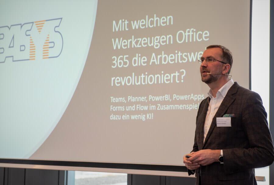 Vortrag Michael Hollmann
