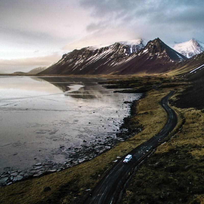 Alleine reisen als Frau? Diese 5 Urlaubsziele sind perfekt! (Island)