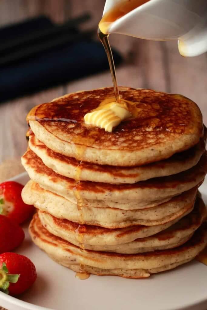 Rezept für vegane Pfannkuchen: Super lecker & fluffig! #vegan #rezept #pfannkuchen