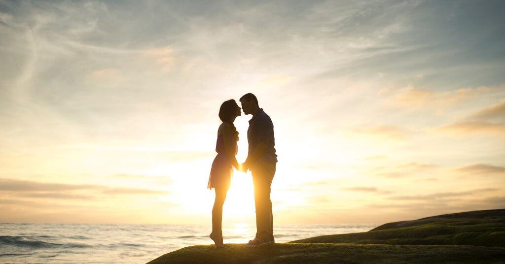 9 Dinge, die Männer nur mit Frauen machen, in die sie verliebt sind