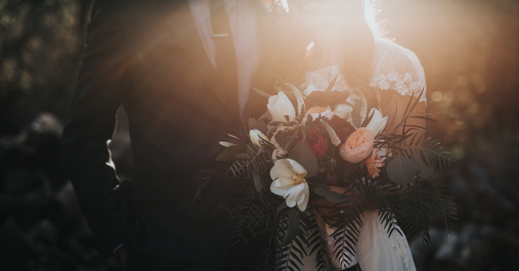 31 wunderschöne Hochzeitswünsche & Sprüche für die Karte