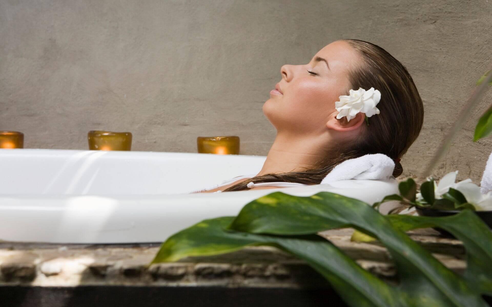 blogimage frau badewanne entspannt