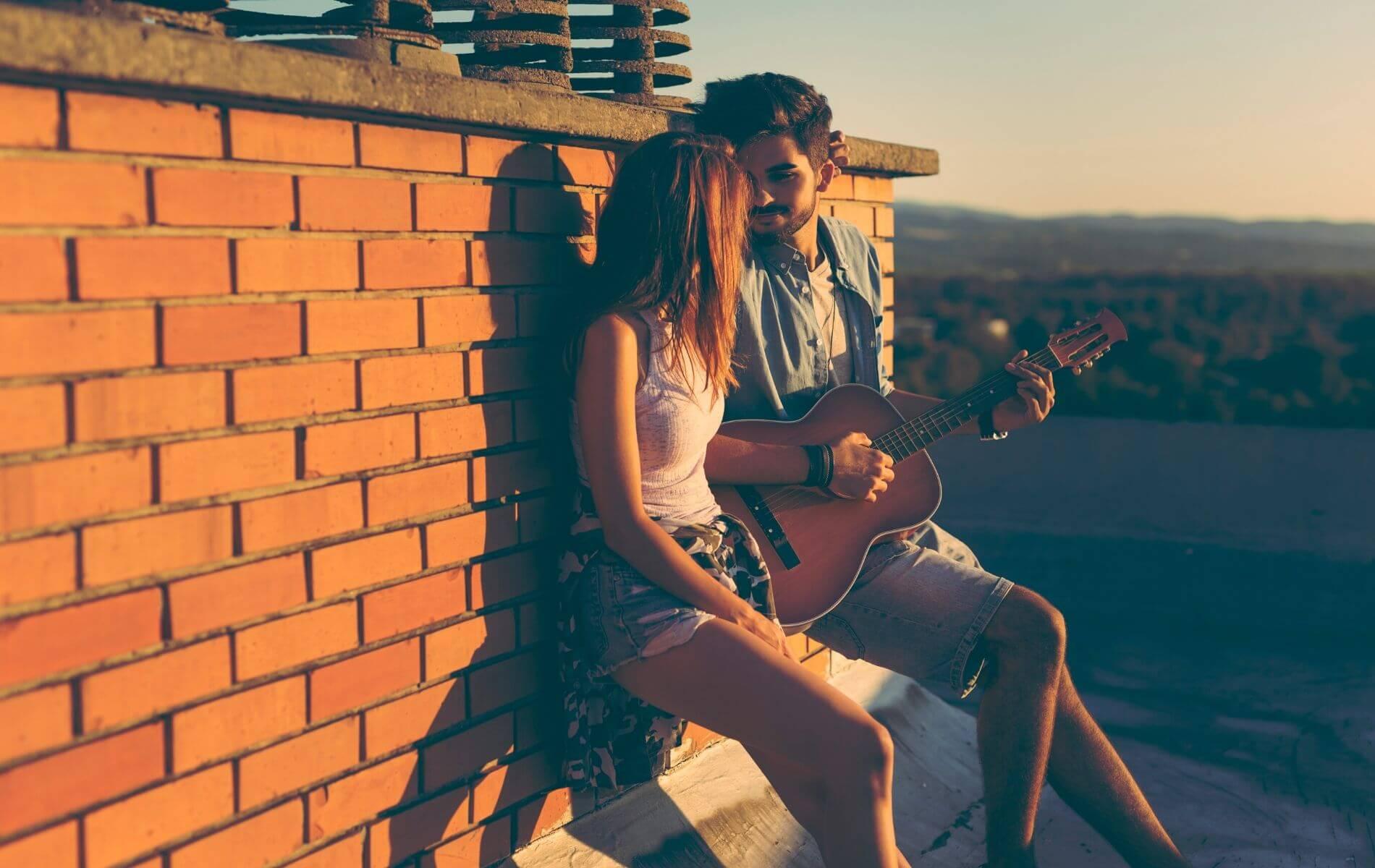 5 Sätze, die ein Mann nur sagt, wenn er in dich verliebt ist