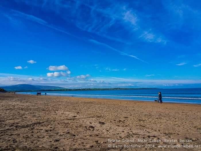 Spaziergang am Beach von Strandhill. Sehenswürdigkeit Irland