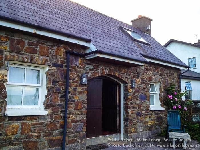 Wunderschönes traditionells irisches Cottage - ohne Strohdach.