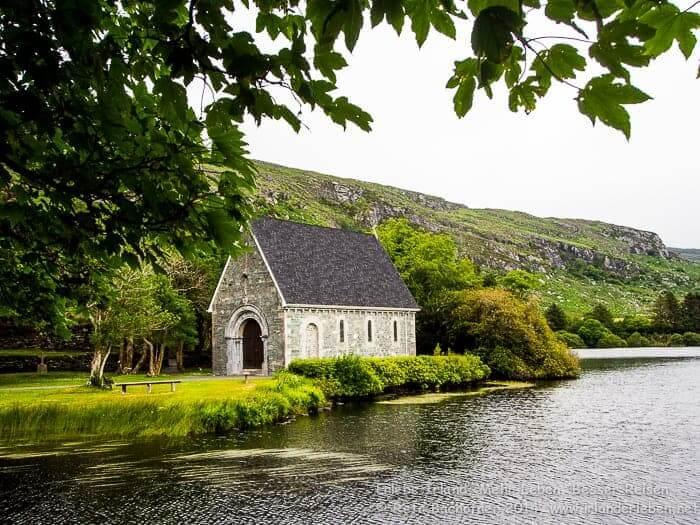 Eines der Highlights einer jeden Irland-Reise ist mit Bestimmtheit ein Besuch der wahrscheinlich fotogensten Kirchen auf der Grünen Insel. Gougane Barra in West Cork.