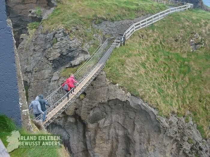 Nichts für schwache Nerven ist die Carrick-a-Rede-Rope Bridge. Getrauen sich deine Kinder?